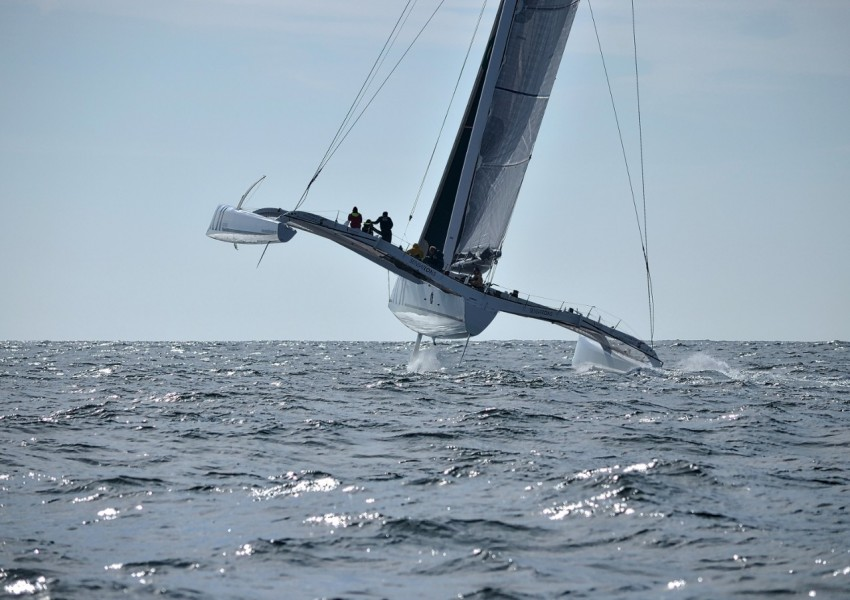 Trimaran-course-au-large-Sensations